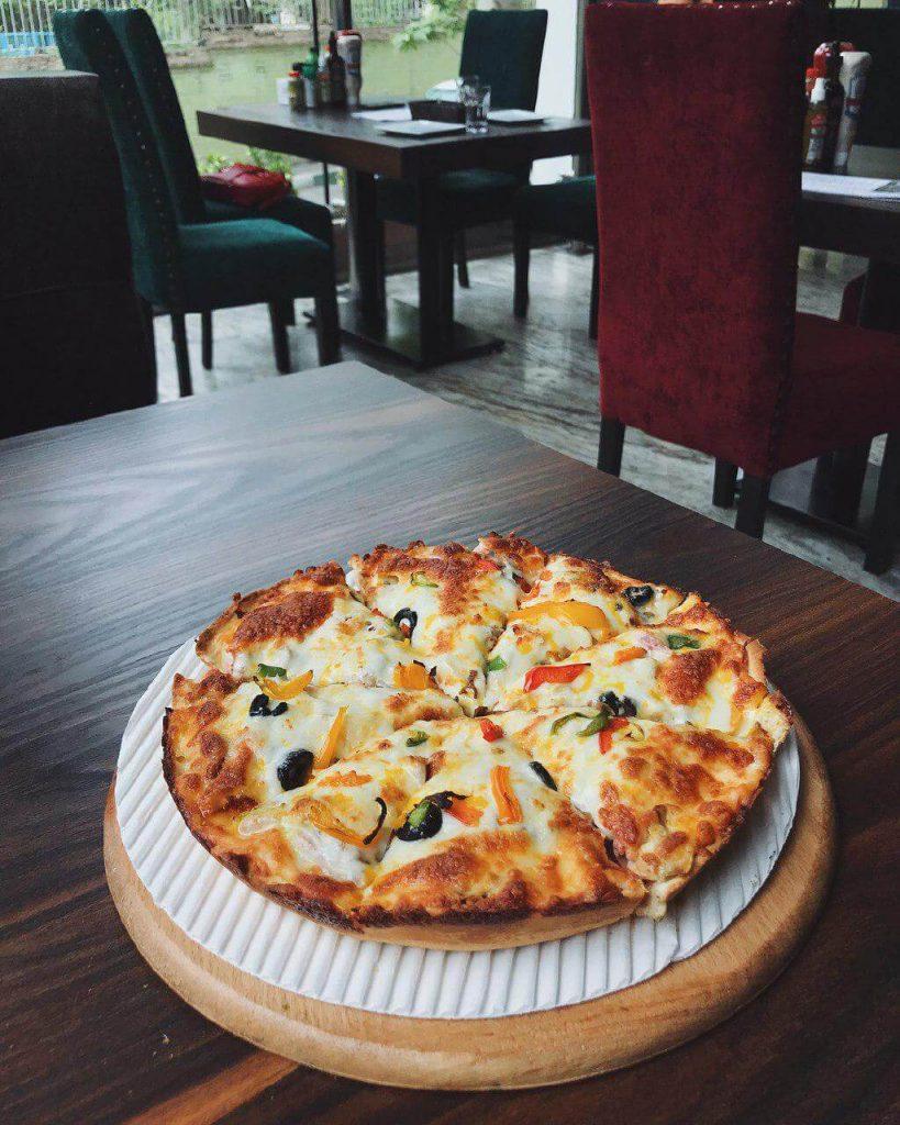 پیتزا میخوش- بهترین پیتزاهای تهران