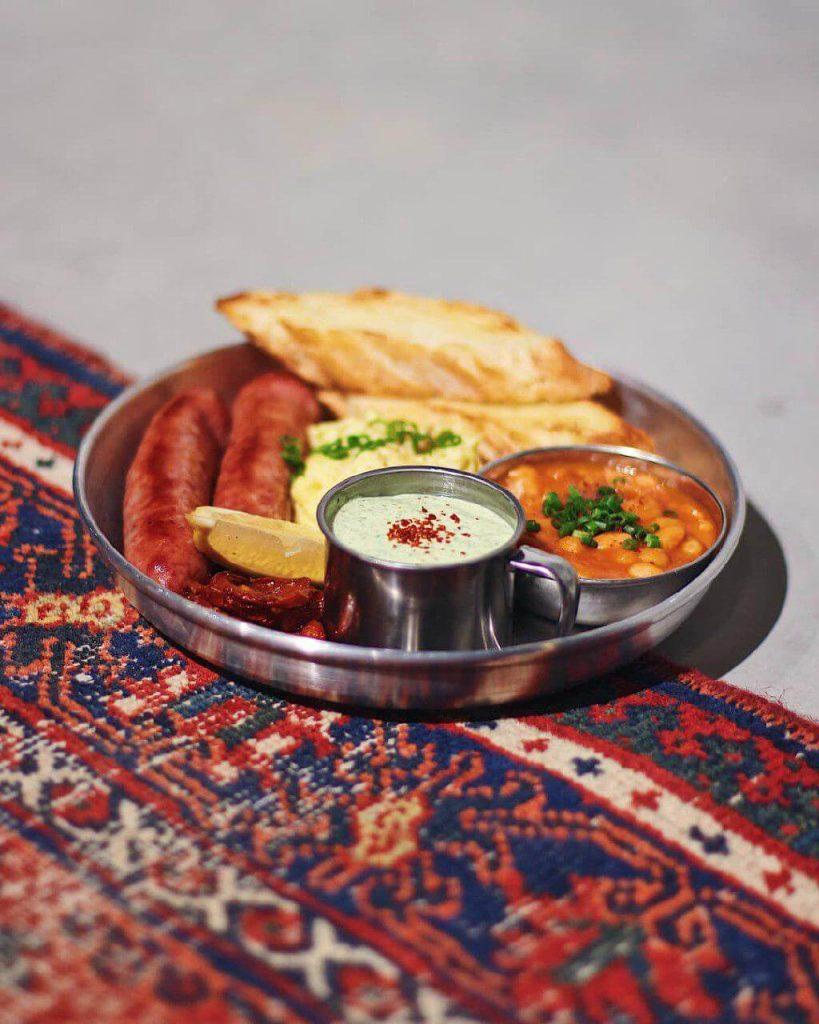صبحانه در تهران